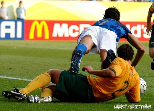 足球点球为什么不规定必须由制造者来主罚?