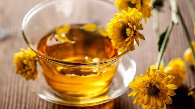 请问   菊花可以和茶一起浸泡喝吗