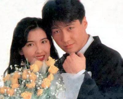 忆经典:30年前综艺,24岁周慧敏望25岁黎明的眼神好甜,太般配