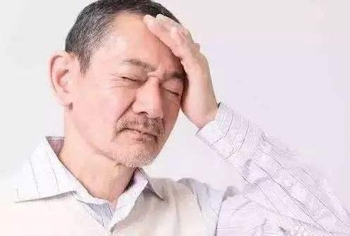 高血压患者预防脑出血,除了烟酒,还有5个直接诱因,及时避免