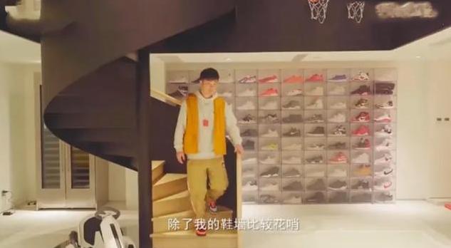 """有种""""土豪""""叫陈赫,豪宅装修的像展厅,看到衣帽间后:我羡慕了"""
