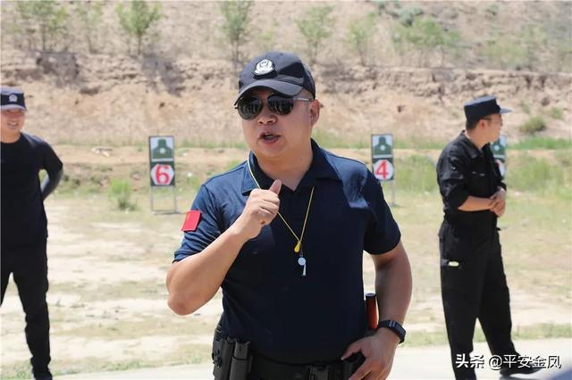 【实战大练兵】超硬核的警务实战教官——付国