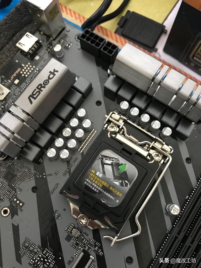 2000元出头的英特尔10代酷睿I9-10900处理器最强新甜品?22万跑分