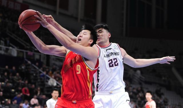 CBA复赛在即,辽宁男篮迎噩耗,内线大将遭受重伤赛季报销?
