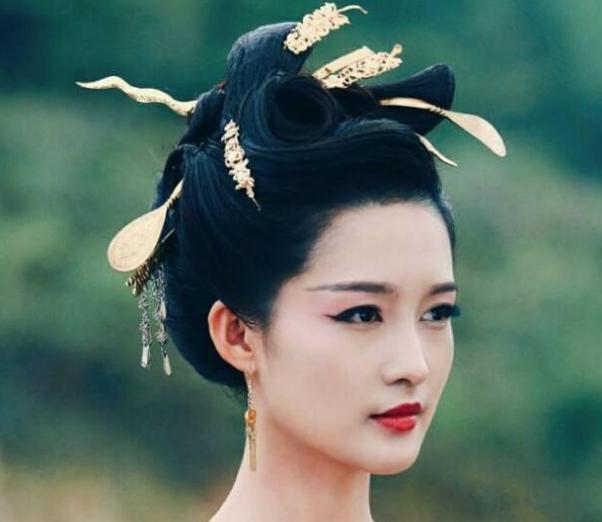 满头金簪古代贵族造型:佟丽娅好看,李沁颜王,热巴冷艳