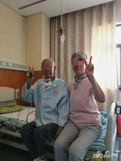 每张小纸条都有一个故事!安徽一 ICU医生的这条朋友圈让人泪目