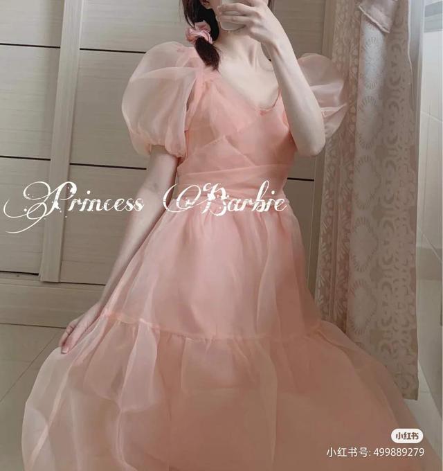 迪士尼在逃公主准备回家了吗?每一套穿出去,回头率都超高