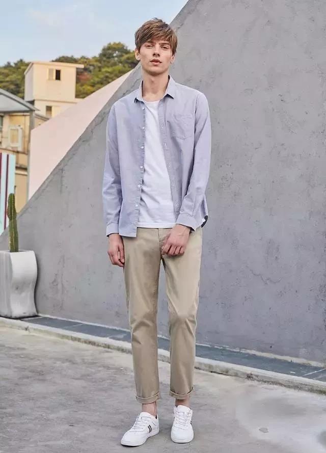 """男人不管多少岁,少穿黑白灰!多穿这3种""""颜色"""",非常显气质"""