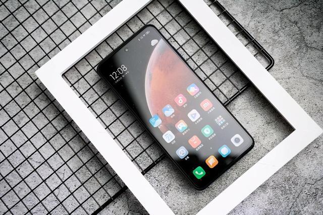 想买个手机,价位1000-1500左右,有什么推荐?