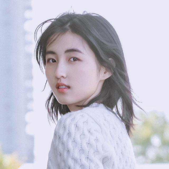 张子枫妹妹艺考北电第三名,从黄爸爸的女儿变成学生,好期待哦