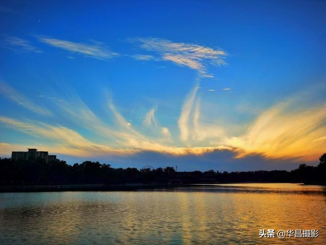 龙潭湖晚霞似龙似凤美翻了