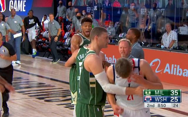 公鹿主帥支持字母哥有脾氣:這種情況說實話,換成詹姆斯、Curry、哈登照樣會暴怒!-黑特籃球-NBA新聞影音圖片分享社區