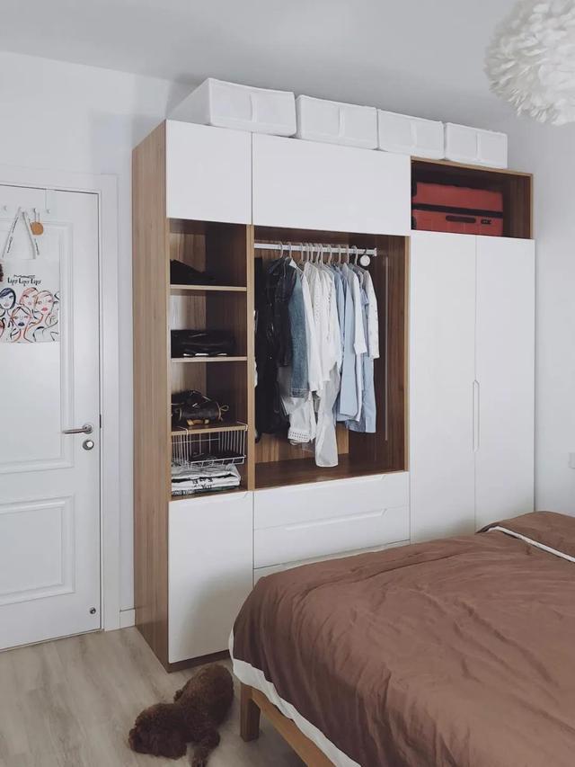 定制衣柜你out了,现在流行木+白色搭配,32套案例再过10年不过时