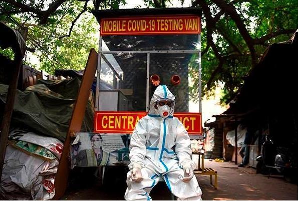 印度新冠肺炎确诊超215万例,曾推广吃零食防新冠的官员确诊