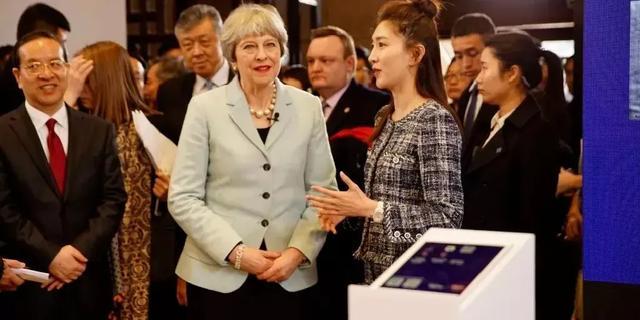 「三十而已」王漫妮留学英国,戏内外留学给人生哪些新可能?