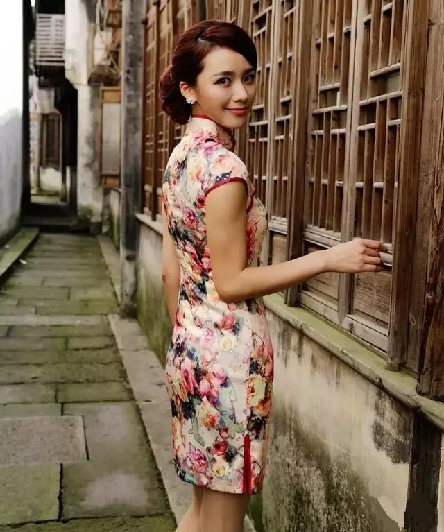 穿上旗袍的女人到底有多美-第1张图片-IT新视野