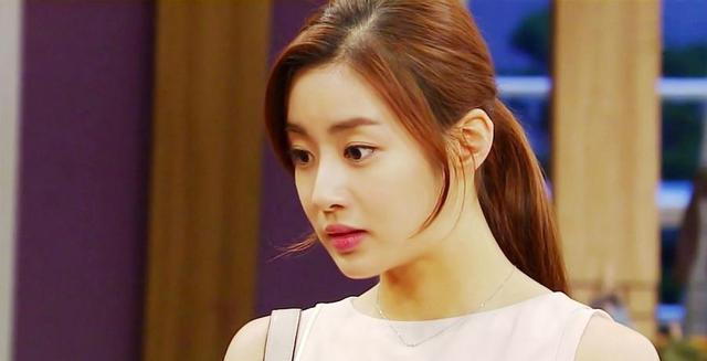 韩国女神姜素拉官宣结婚,曾与玄彬热恋一年,老公圈外人年纪较大