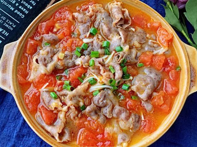 怎样做番茄金针菇肥牛汤