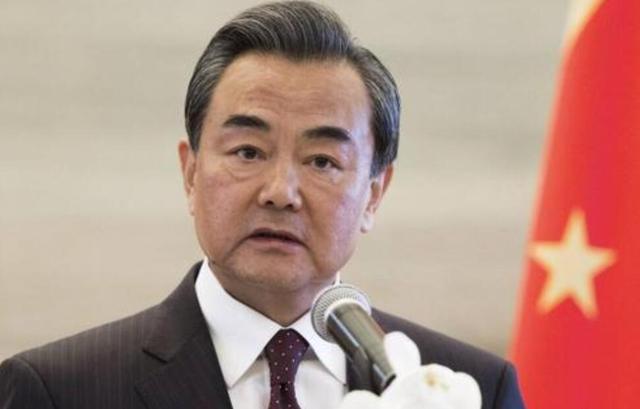 美国深陷多重麻烦,却屡屡将矛头指向中国,联合国高级顾问发声