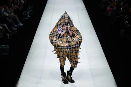比维密还得劲的TGC东京时装秀,全日本最顶的模特都在这…