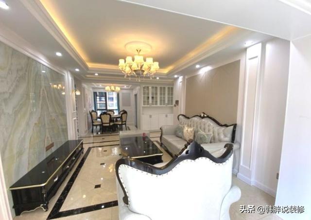 砸了30万的新房,140㎡大三房,5米长的玄关走廊,设计了三个阳台
