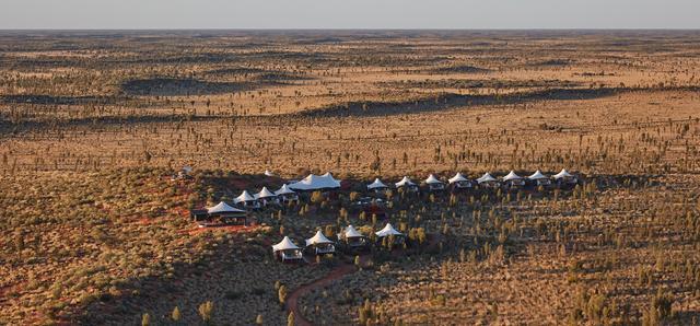 那些奢华的度假营地——东经131°营地