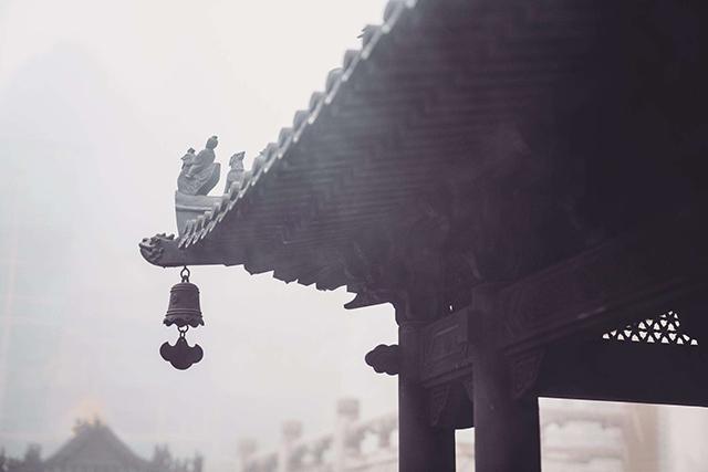 「佛门观察」一老僧说:《晨钟偈》文句有许多邪见