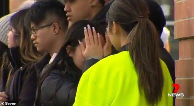 澳洲亚裔男子健身回家路上被刺死,女友泣不成声,请求停止暴力