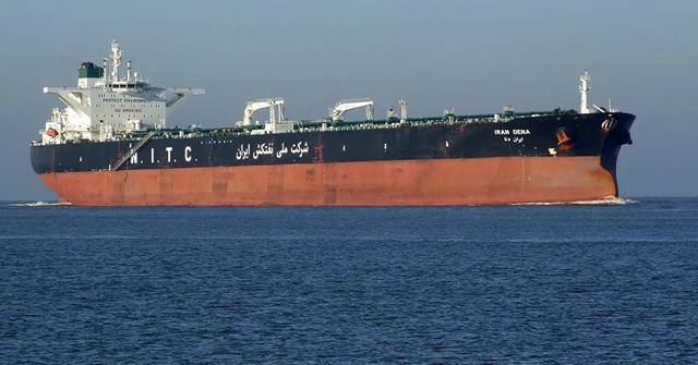 第一次!美国在公海强行扣押四艘伊朗油轮,现在正被押往休斯顿