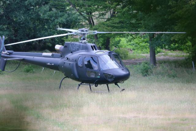 58岁汤姆·克鲁斯硬核出门!亲自驾驶400万美金直升机,去吃午饭