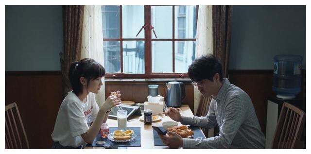 《三十而已》:钟晓芹终于和养鱼的离婚,我盛装出席只为离开你
