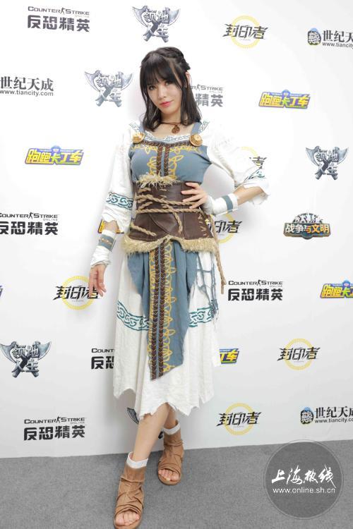 又一波Chinajoy的美女Showgirl高清图出炉!漂亮小姐姐一次看个够