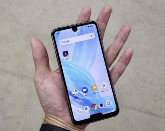看完了这些全面屏手机的设计 真的很佩服设计师的脑洞
