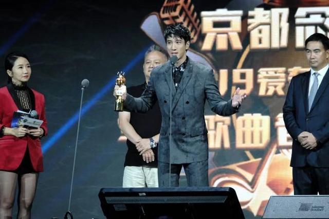 """王力宏""""华歌榜""""连获三奖,献唱国风歌曲《缘分一道桥》"""