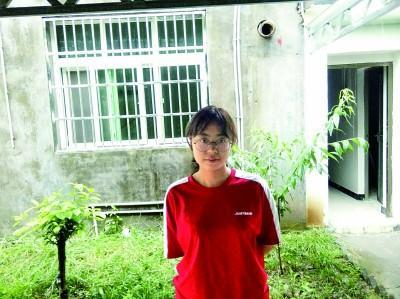 獨臂女孩李欣雨:用左手撐起整個世界