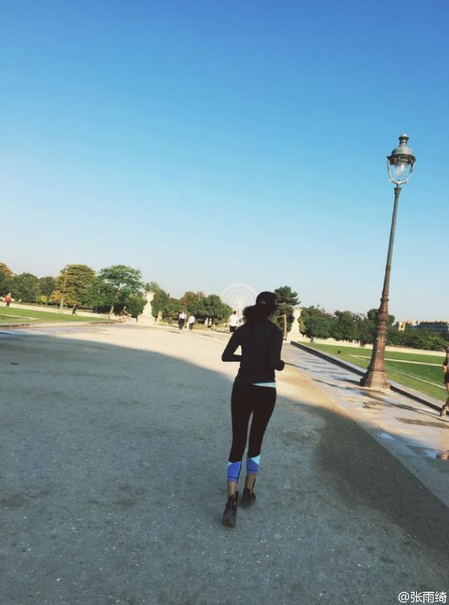 《乘风破浪的姐姐》最新剧照!张雨绮大长腿秀身材,网友:我已经在法国排队了