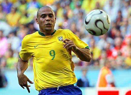 世界足坛公认的4大球王是谁?