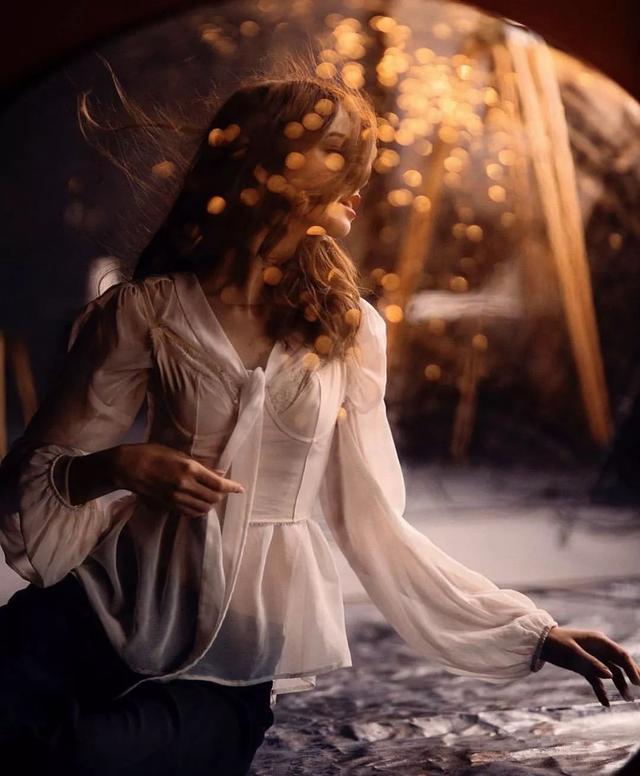 「摄影故事」年仅23岁的摄影师,竟拍出了浪漫唯美的情绪人像