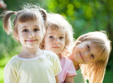 这7个迹象表明:家长对孩子的教育并不成功,浑身上下都透着自卑