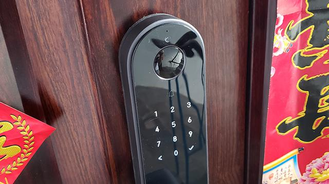 """""""大萌眼""""时刻守护门外安全:Aqara 智能摄像头门锁P100"""