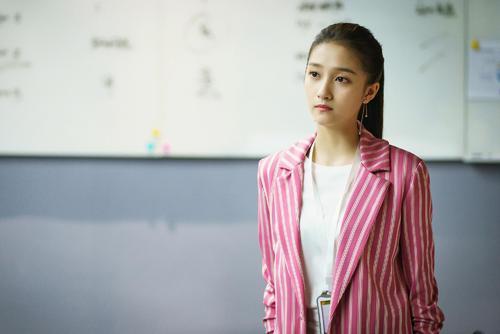 姜小果比梁爽戏份多,关晓彤怎么会是主角?原因或许在片名中