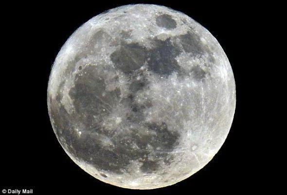 被掩盖的登月资料美国究竟知道什么?月球埋藏了亿万年的秘密?