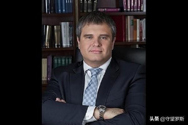 """叔侄携手:普京侄子高调从政,将出任俄""""人民反腐""""党主席"""