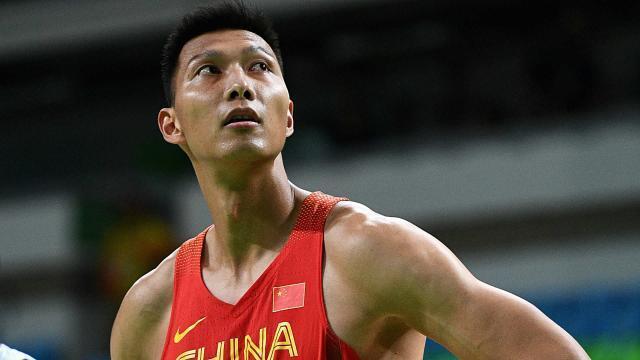 易建联倒下意味着时代终结 中国男篮未来由谁扛大旗?