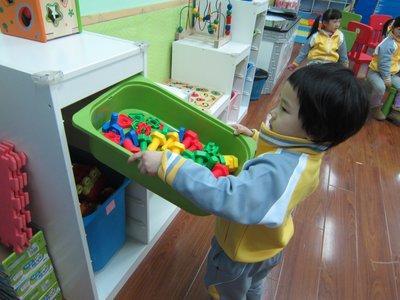 教育孩子的目标究竟是什么?让孩子感受到父母相爱,是最好的教育