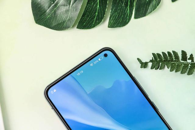 vivo S5入门:5重超层次感美肤自拍照 颜值爆表设计方案摆脱手机上的感受界限