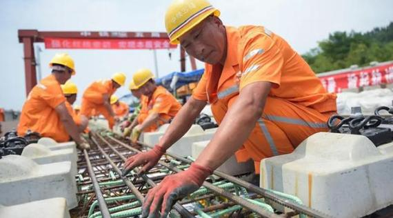 合作共赢!泰国拒绝德日两国,将2240亿高铁项目交给中国