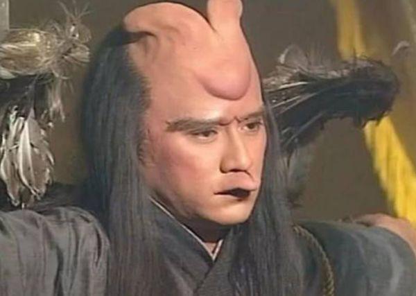 """被瞒了18年!雷震子卸妆素颜堪比""""整容"""",网友:秒杀彭于晏"""