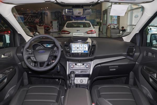 福特这款SUV实力不差,7气囊,2.0T+四驱,可惜6月只卖出653台