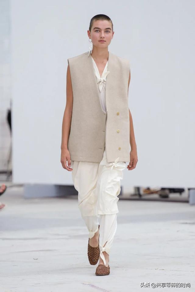 「品牌秀场」┊ Mark Kenly Domino Tan2021年春夏时装秀